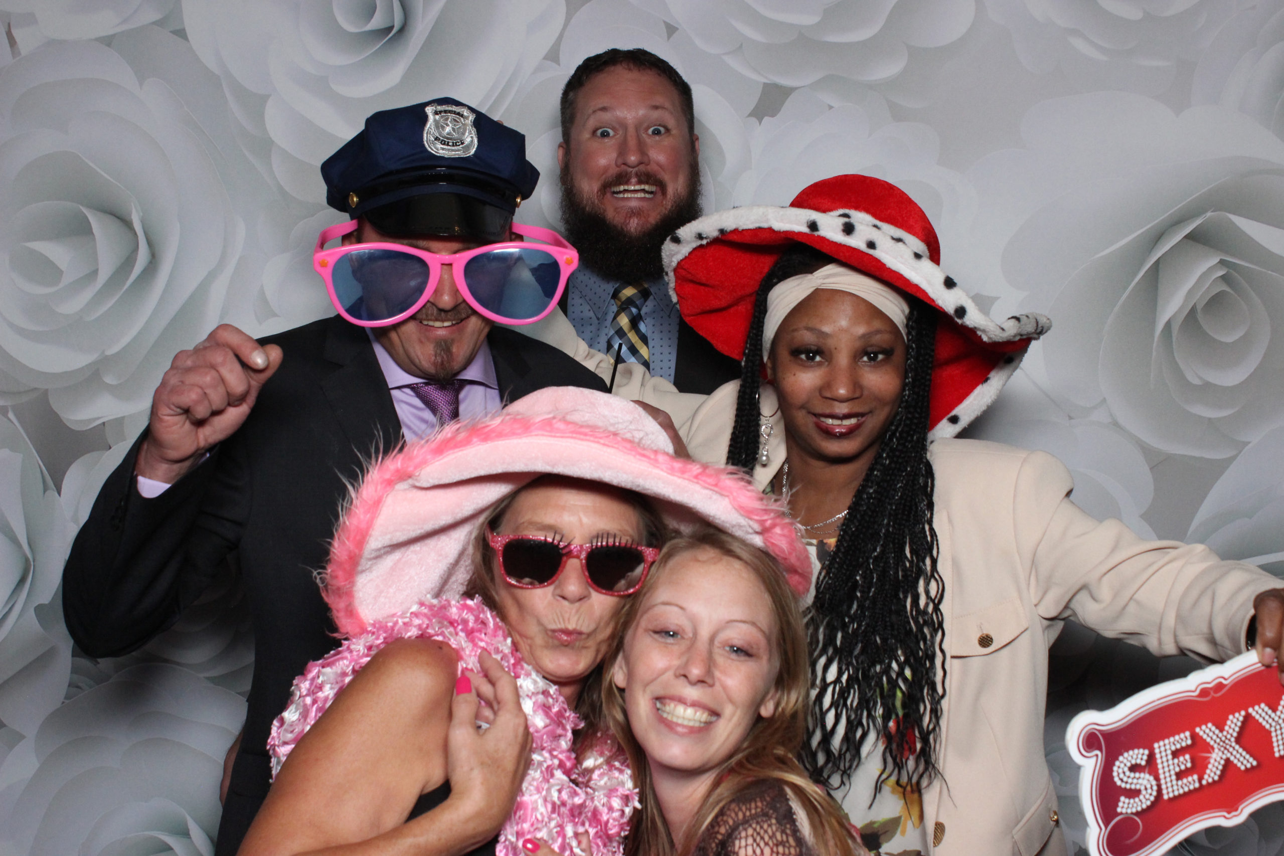 guest in photobooth for rent -rent a photo booth wayne county mi