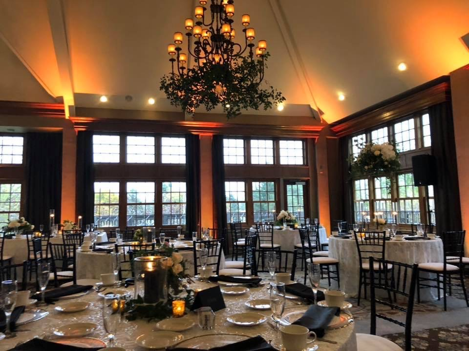 wedding uplighting rental in Michigan-dramatic dimensions entertainment