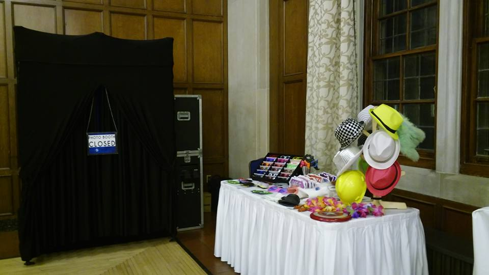 detroit photo booth rental- setup- photobooth with props